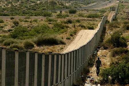 Забор на границе Мексики с США