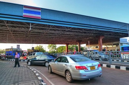 На границе Лаоса с Таиландом