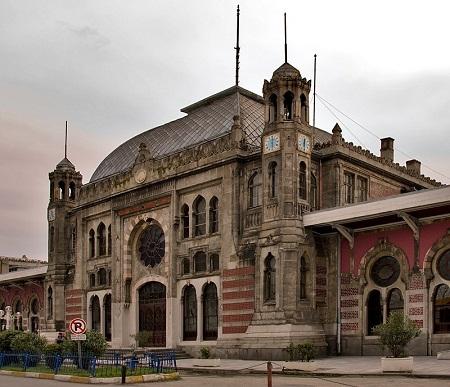 Железнодорожный вокзал Сиркеджи в Стамбуле