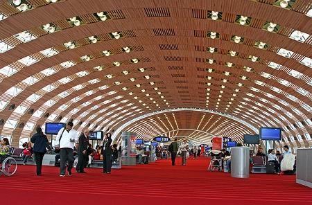 В аэропорту Шарль де Голль
