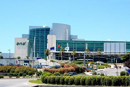 В международном аэропорту Лиссабона